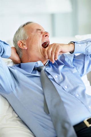 Schlafmangel und Schlafstörungen können zu einer Schwächung der Immunabwehr und häufig bei chronischer Belastung auch zu Bluthochdruck und/oder Herzerkrankungen führen. - Foto: djd/Ergo Direkt Versicherungen