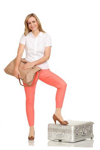 Mit Reisestrümpfen kann man auf leichten Beinen in den Sommerurlaub starten. - Foto: djd/medi