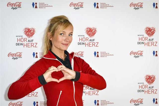 Schauspielerin Nadja Uhl engagiert sich für die Coke-light-Initiative