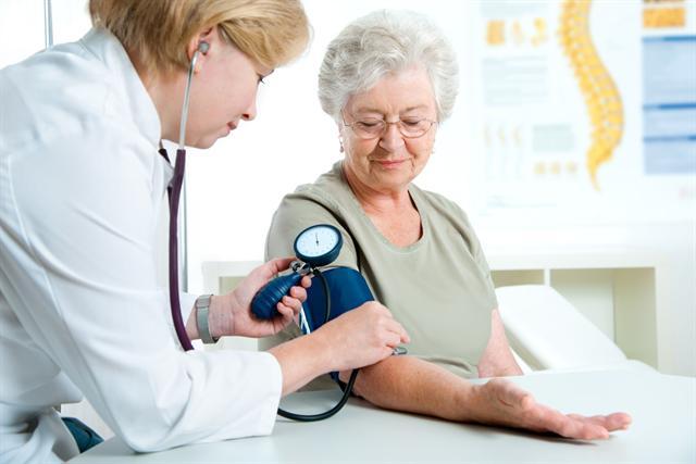 Eine konsequente und vor allem rechtzeitige Therapie ist bei Herzschwäche besonders wichtig. - Foto: djd/Gesellschaft für Biofaktoren