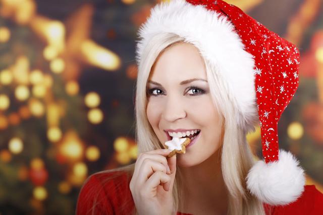 In der Adventszeit darf genascht werden, wenn die Menge stimmt. Dann bleibt auch die Kalorienbilanz im Lot. - Foto: djd/formoline.de/absolutimages/fotolia.de