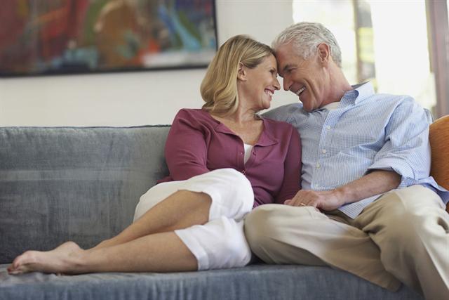 Auch in reiferen Jahren bleibt Sex die schönste Nebensache der Welt. Wenn es bei