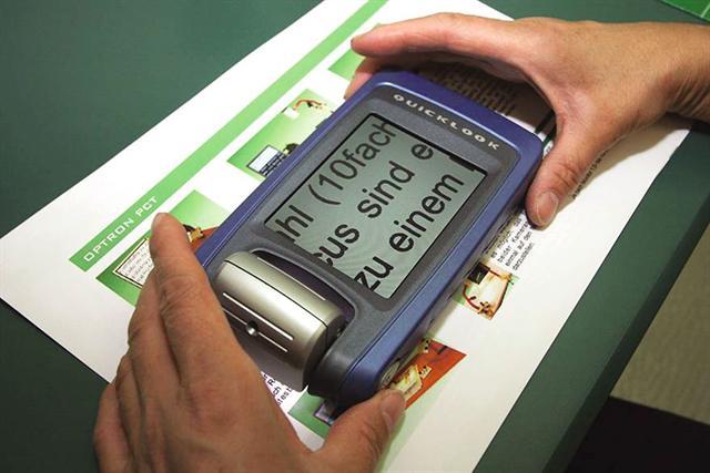 Moderne Lupen erleichtern Menschen mit Sehschwäche den Alltag. - Foto: djd/Low Vision Kreis