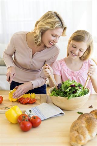 Der tägliche Bedarf an Vitamin D ist über die Ernährung allein nicht zu decken. - Foto: djd/Vigantoletten/tetmc/iStock/Thinkstock