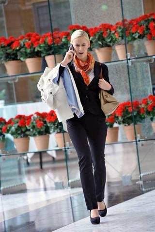 Frauen, die von einem Termin zum nächsten hetzen, merken oft nicht, dass sie eine Pause brauchen. - Foto: djd/medicalimage