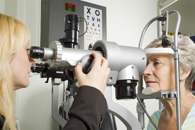 Das Thema Augengesundheit betrifft die meisten Bundesbürger, denn gesundes Sehen bedeutet ein hohes Maß an Lebensqualität. - Foto: djd/Ergo Direkt Versicherungen/thx