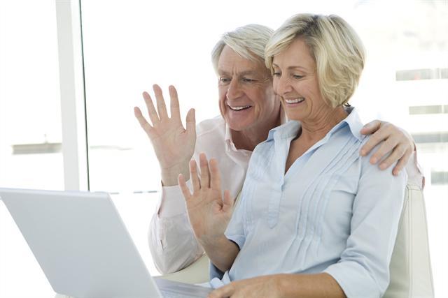 Nicht wenige Senioren hadern mit der modernen Technik. - Foto: djd/Neurexan/thx