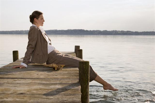 Auch im reiferen Alter wollen Frauen ihre Weiblichkeit und viel Lebensqualität genießen. - Foto: djd/Gynokadin/Corbis