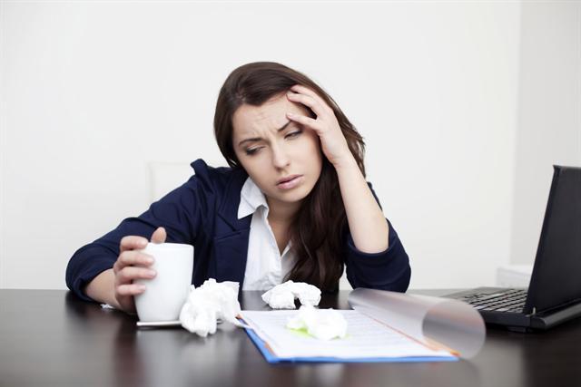 Die Gründe, trotz Erkältung ins Büro zu gehen, sind vielfältig. - Foto: djd/G. Pohl-Boskamp/thx