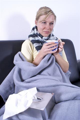 Die Nase läuft, der Hals kratzt - eine ausreichende Versorgung mit Zink ist eine wichtige Voraussetzung dafür, dass das Immunsystem Erkältungsviren wirksam bekämpfen kann. - Foto: djd/Wörwag Pharma/thx