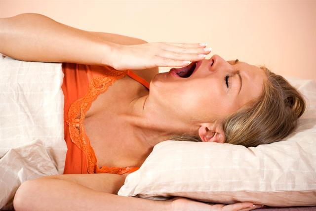 Schätzungen zufolge hat jeder dritte Erwachsene regelmäßig mit Schlafproblemen zu kämpfen. - Foto: djd/Neurexan/thx