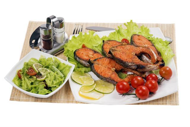 Frisches Obst, Gemüse und Salat liefern Antioxidantien - wichtig gegen Entzündungsprozesse im Gelenk. - Foto: djd/Sanofi/thx