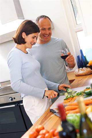 Zum Gemüse ab und zu auch mal ein Stück Rindfleisch servieren - das ist für die Versorgung des Körpers mit dem Spurenelement Zink sinnvoll. - Foto: djd/Wörwag Pharma/colourbox