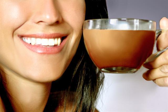 Für Senioren, Raucher, Diabetiker, Übergewichtige oder Ausdauersportler beispielsweise können Kakaoflavanole eine gute Sache sein. - Foto: djd/Dr. Wolz Zell GmbH/olly - Fotolia