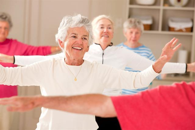 Sport und Bewegung sind für die Behandlung von Schwindel gerade bei Senioren wichtig. Auch ein gezieltes Gleichgewichtstraining ist oft sinnvoll. - Foto: djd/Vertigoheel/thx