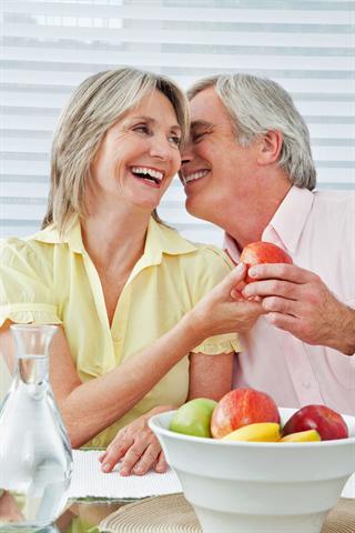 Mit 60plus hat gesunder Genuss in jeder Hinsicht Vorrang. - Foto: djd/diasporal/panthermedia.net