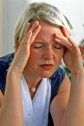 Vielen Frauen verdirbt Migräne das Wochenende. - Foto: djd/Petasites Petadolex