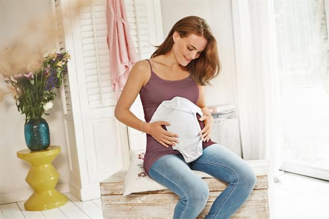 Eine Frau mit Kinderwunsch sollte frühzeitig an die ausreichende Nährstoffversorgung ihres Körpers denken. - Foto: djd/femibion.de