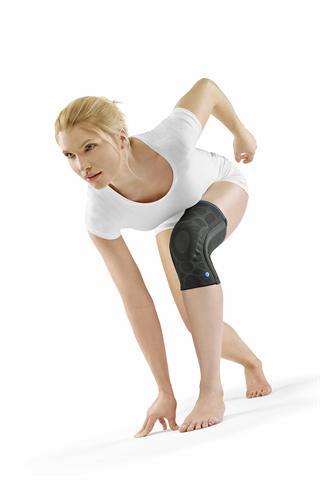 Sowohl bei der Therapie akuter Verletzungen als auch zur Prävention beim Sport oder bei der Arbeit kann eine Kniebandage sinnvoll eingesetzt werden. - Foto: djd/Ofa Bamberg
